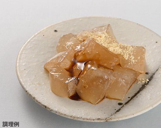 黒蜜をかけたわらび餅