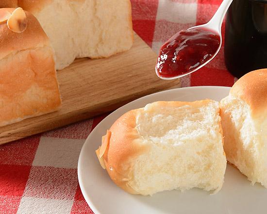 ラズベリージャムをぬったパン