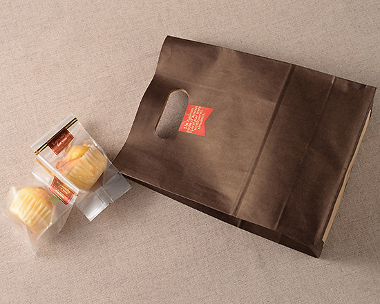 カカオ 打抜袋とカップケーキ