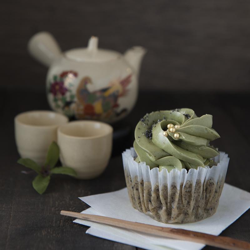 栗と黒ゴマの抹茶カップケーキ