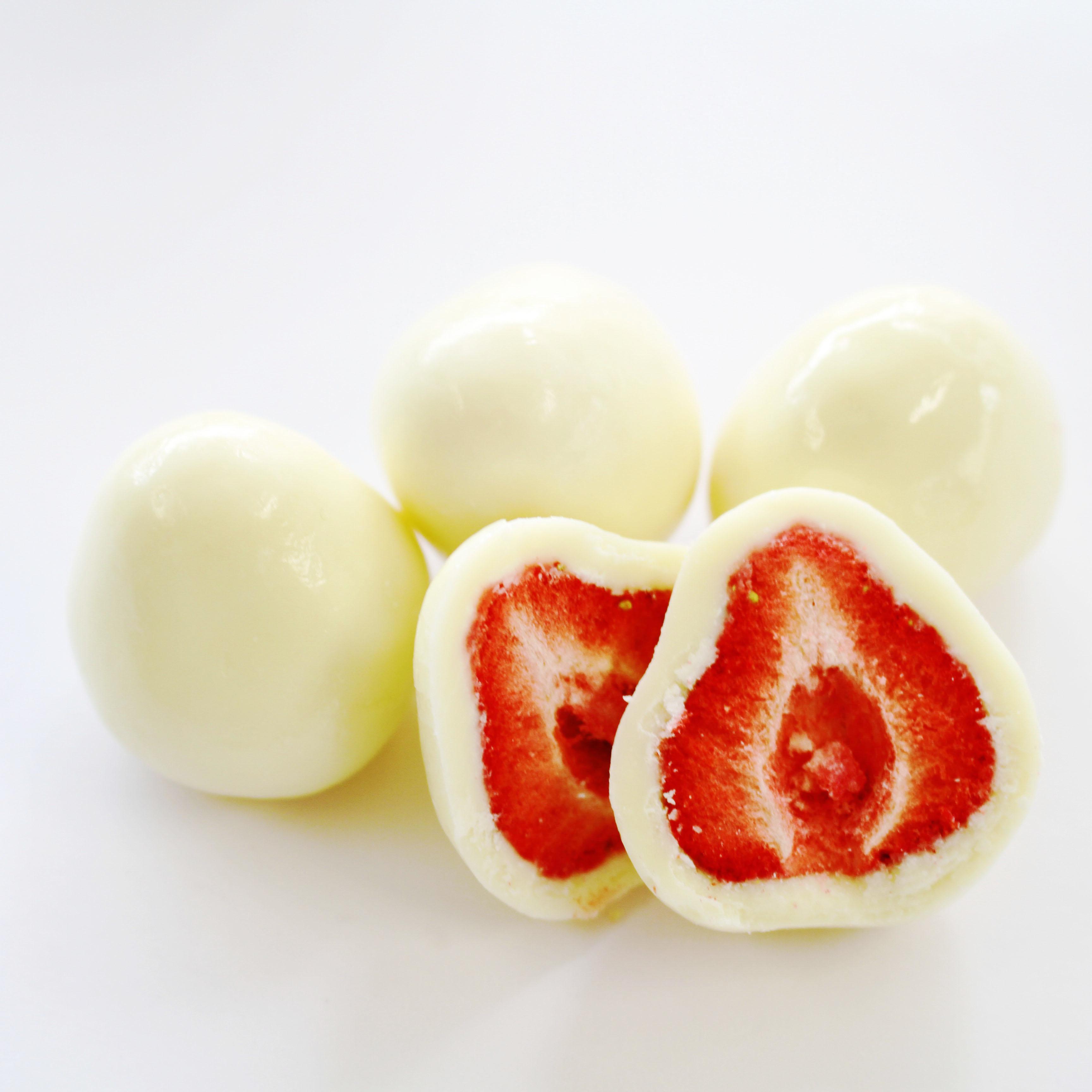 まるごとホワイトチョコいちご