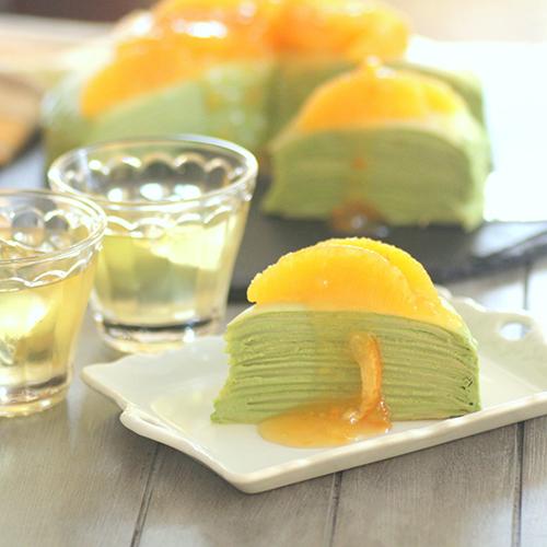 抹茶クリームのオレンジミルクレープ