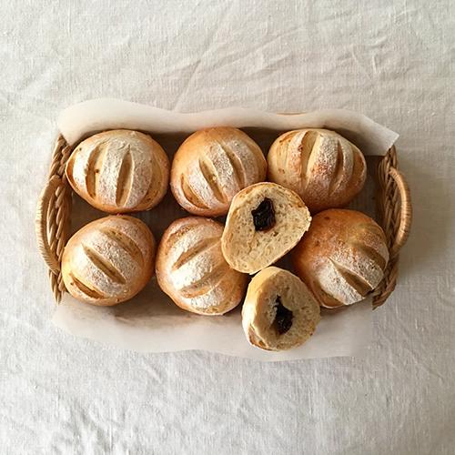アーモンドとプルーンのパン