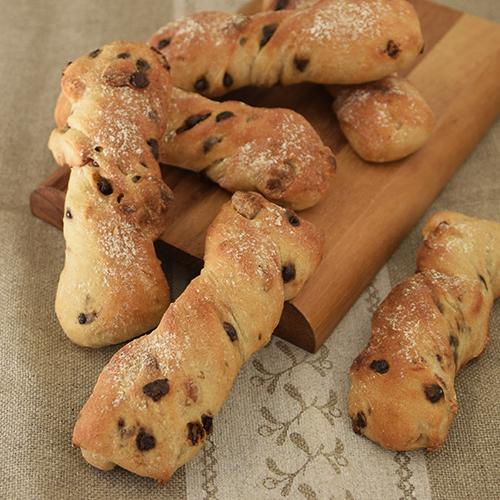 マカダミアナッツとチョコレートのスティックパン