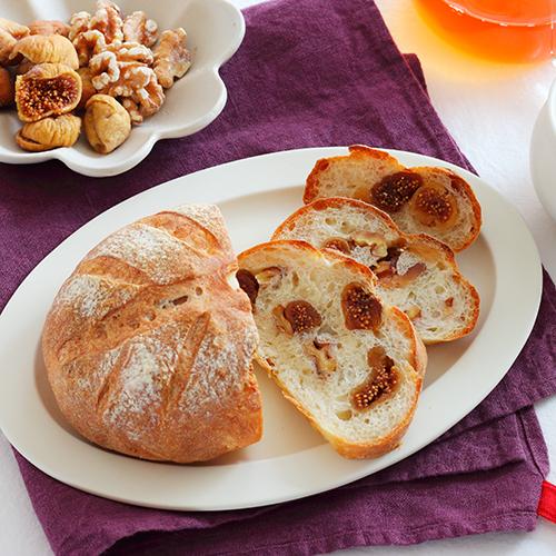 いちじくと胡桃の、こねないパン