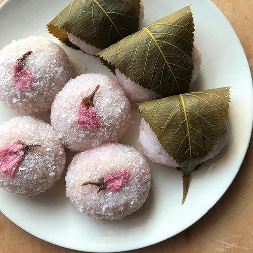 ひとつの生地で2種の桜餅