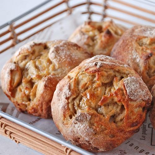 秋の味覚 和栗ペーストとメープルシロップのパン