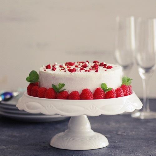 ホワイトスノーラズベリームースケーキ