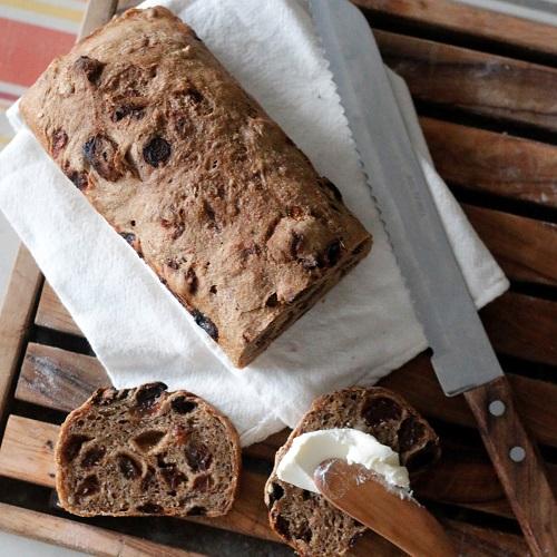 ライ麦ぶどうパン