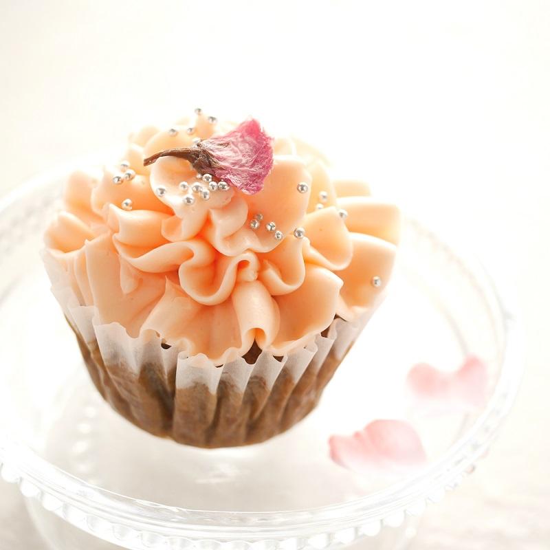桜とほうじ茶ミルクのカップケーキ