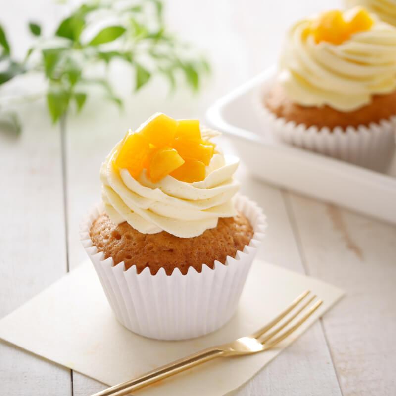 ココナッツとマンゴーのカップケーキ