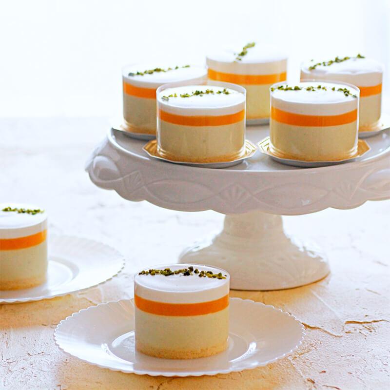 ピスタチオムースとパッションフルーツのケーキ