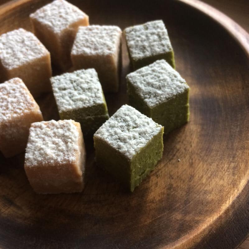 米粉と和三盆のほろほろ(きな粉と抹茶)