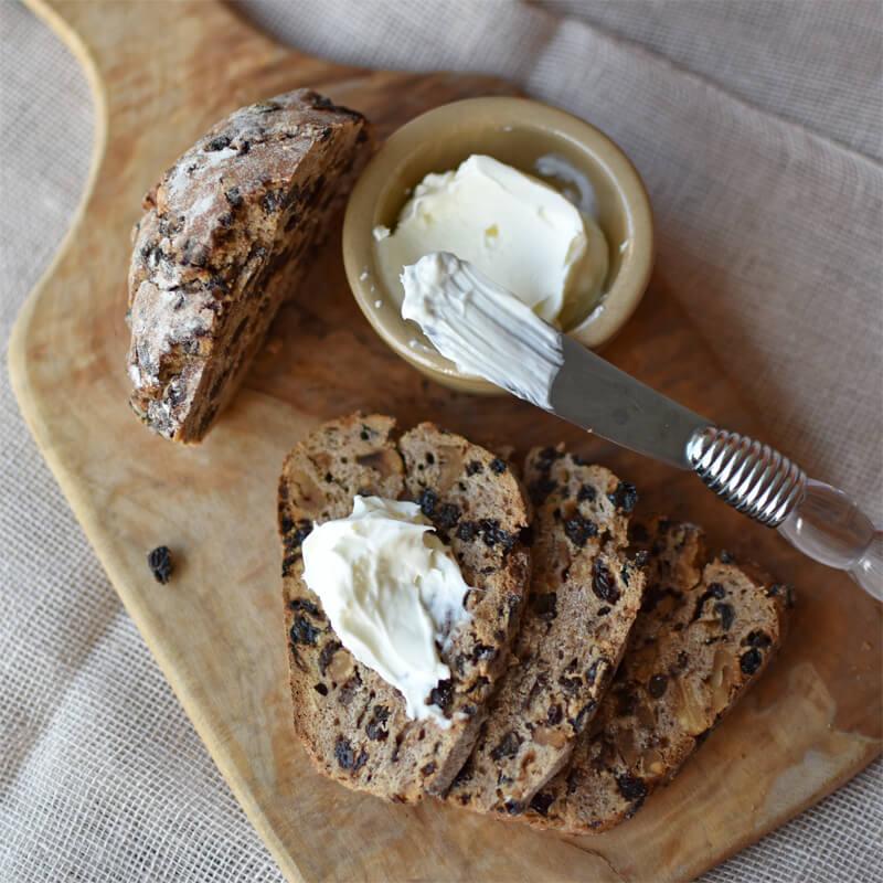 ホームベーカリーで作る自家製サワークリームと自家製発酵バター