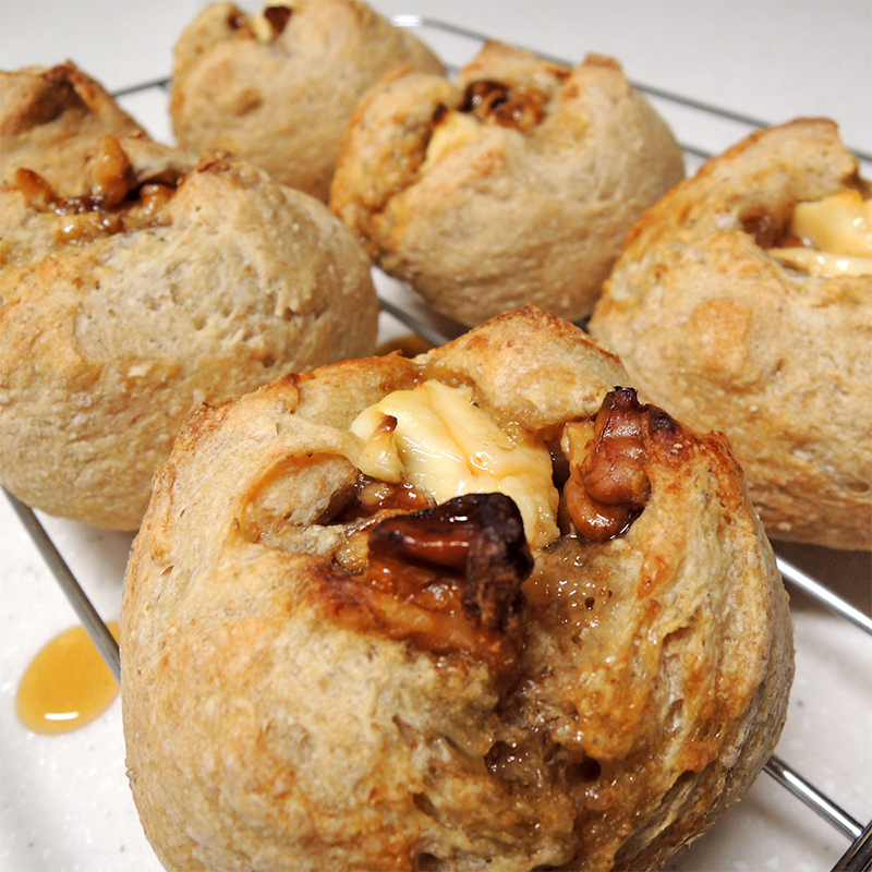 胡桃とクリームチーズのパン
