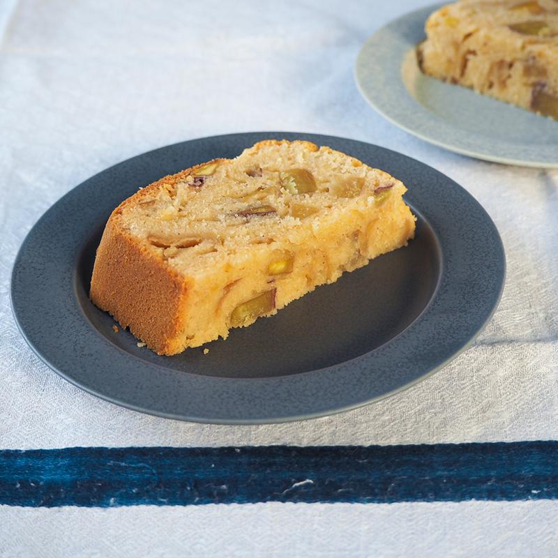 ホームベーカリーで作るりんごとさつまいもの米粉ケーキ