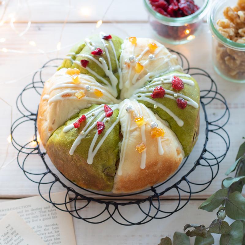 【簡単レシピ】クリスマスカラーのふわふわちぎりパン