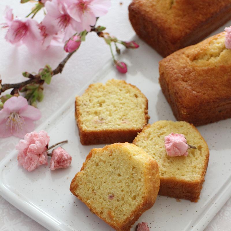 しっとり桜の米粉パウンドケーキ