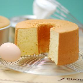 基本のふわふわシフォンケーキ