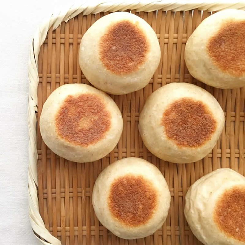 フライパンで焼くひらたいパン
