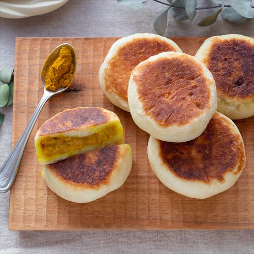 【時短レシピ】フライパンで焼く!ツナカレーおやきパン♪