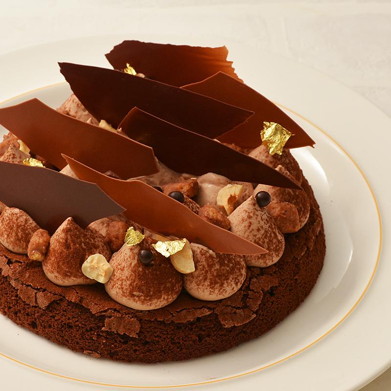 ヘーゼルナッツとチョコレート本格ガトー