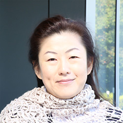 海野 綾子