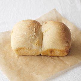 米粉と黄な粉とキャラメルのパン